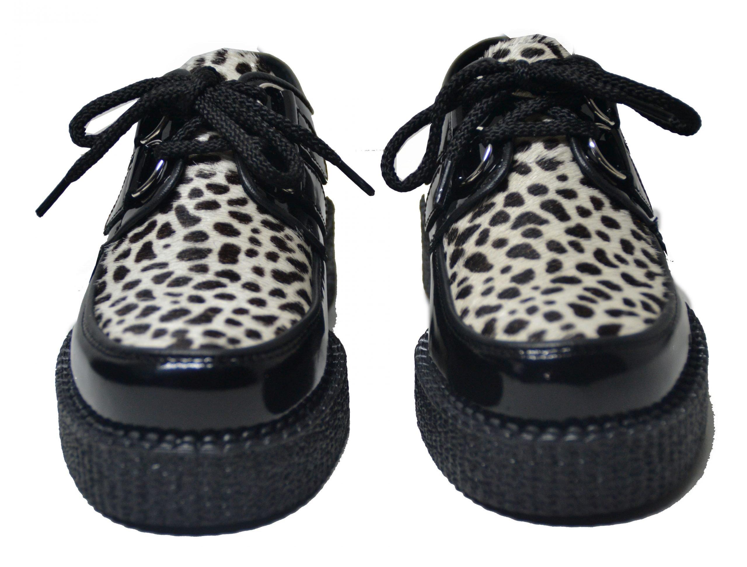 Sapato creeper, com espelho liso e cordão