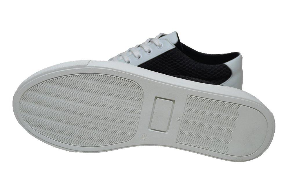 Plug in sneaker